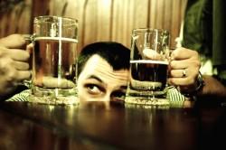 Желтый понос как следствие употребления алкоголя