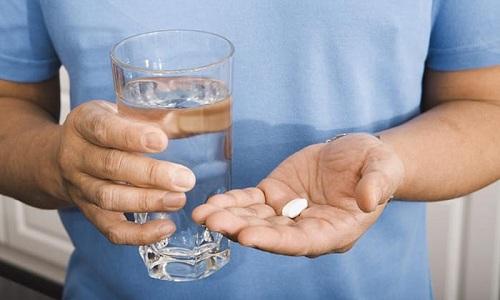 Субклинический тиреотоксикоз развивается из-да длительного приема гормональных медикаментов